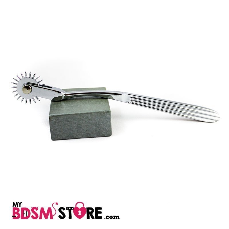 The wartenberg wheel allows you to cause sensations in your bdsm games