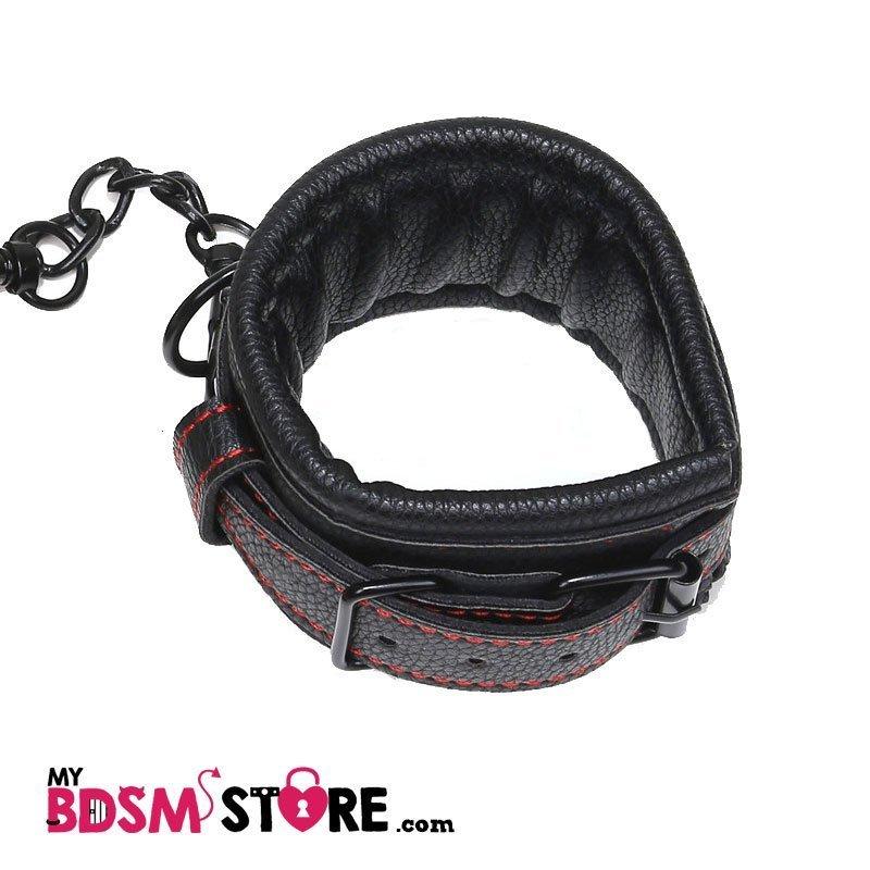 Restricciones de cuero grueso y acolchado relleno para bondage y juegos bdsm dominación sumisión confortables detalle