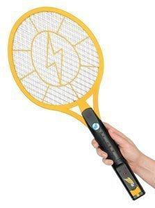 ¿Sabías que algunas personas crean zappers o estimuladores eléctricos con palas de matar mosquitos? ¡Quizás no sea lo mas seguro del mundo pero resulta un rato ingenioso!